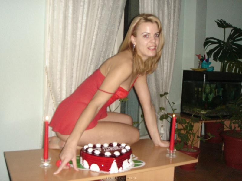 Подарила мужу торт и себя голую 13 фото