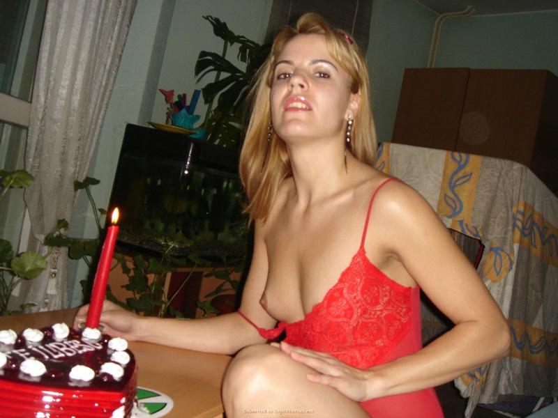 Подарила мужу торт и себя голую 16 фото