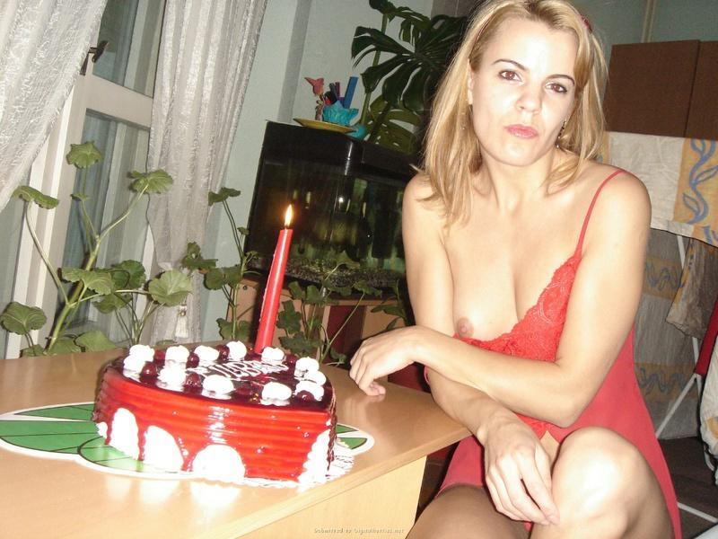 Подарила мужу торт и себя голую 18 фото