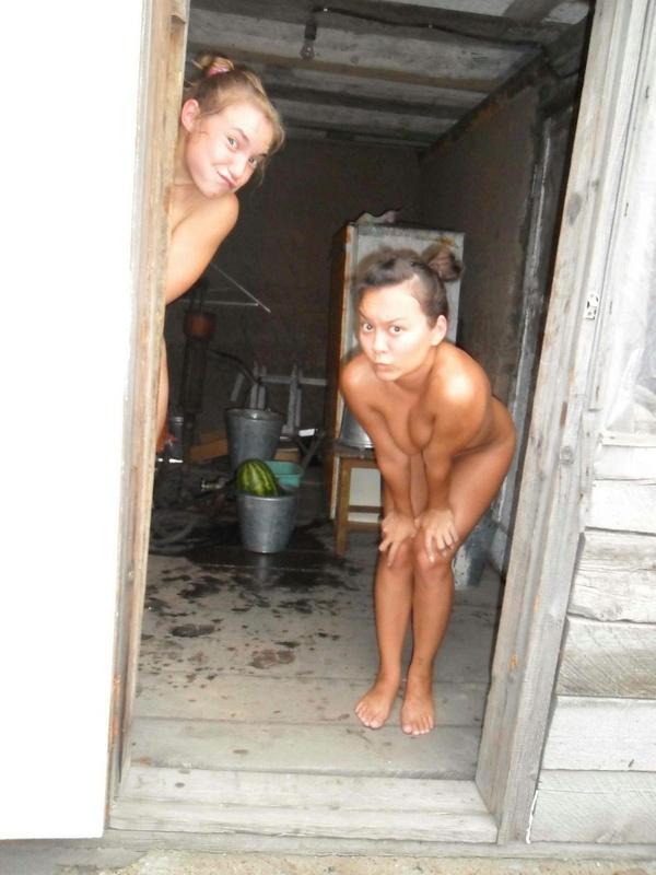 Провинциалки празднуют день рождения подруги голышом в бане 13 фото