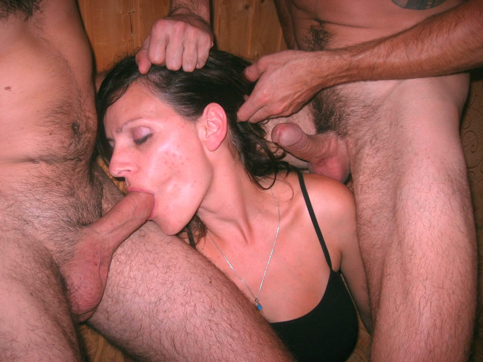 Подборка любительского секса втроем 13 фото