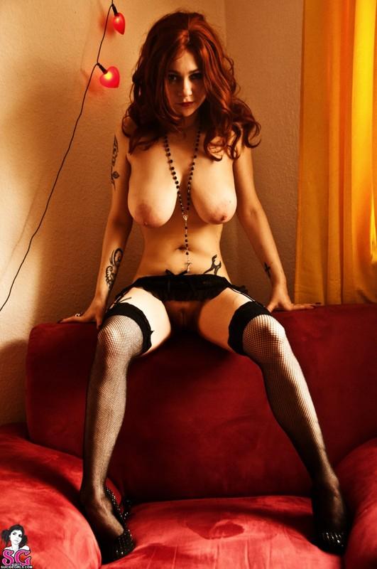 Эротическое соло сногсшибательной красивой девицы с большими титьками 39 фото