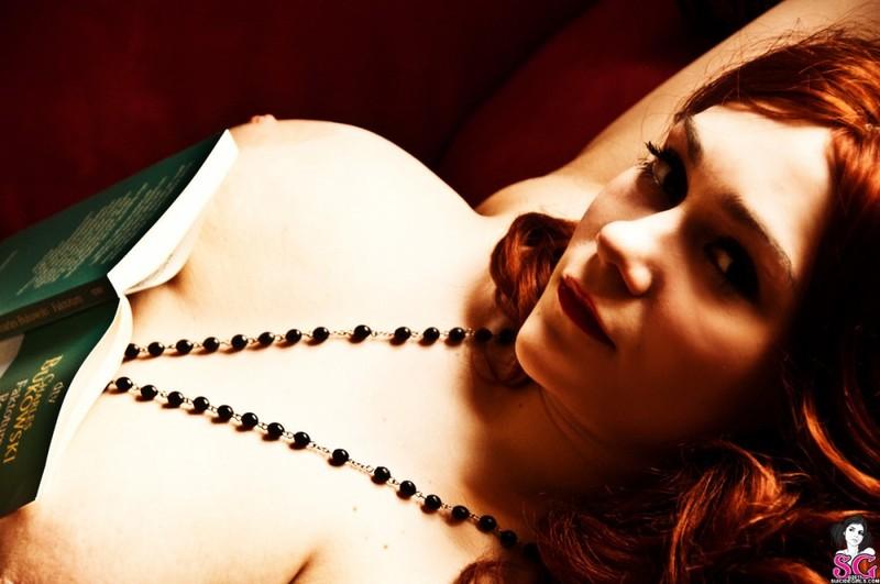 Эротическое соло сногсшибательной красивой девицы с большими титьками 37 фото