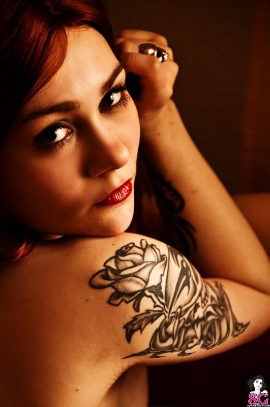Эротическое соло сногсшибательной красивой девицы с большими титьками 32 фото