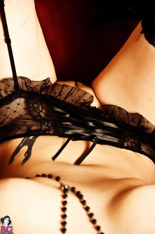 Эротическое соло сногсшибательной красивой девицы с большими титьками 36 фото