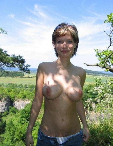 Любительская подборка голых сисек разных размеров 12 фото