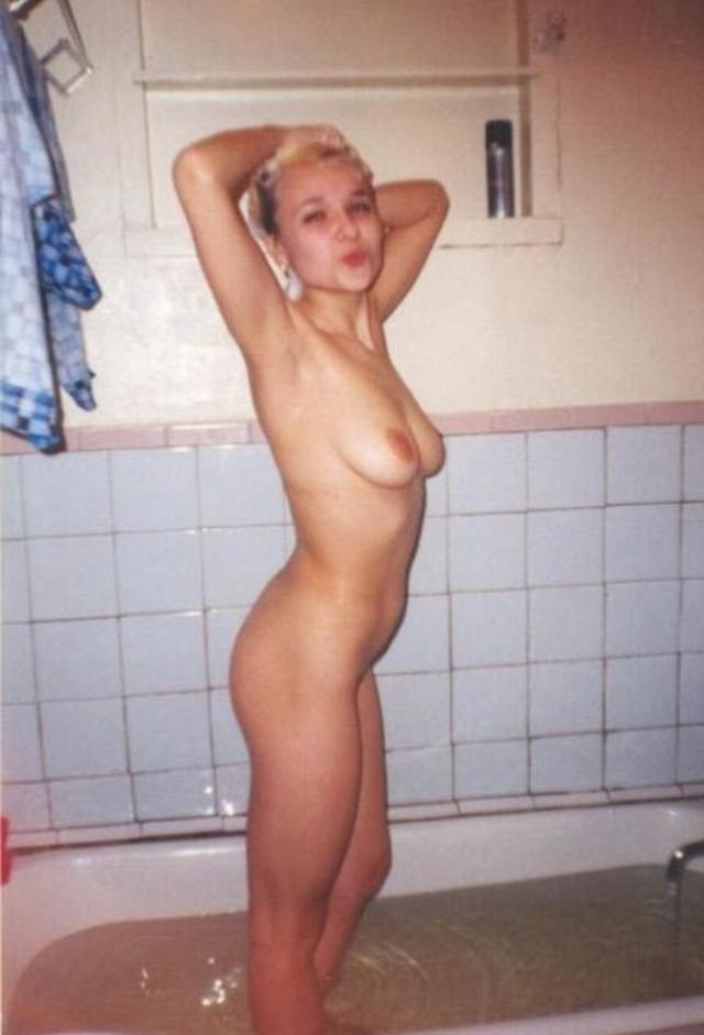 Снимки голых девушек после ванны 22 фото