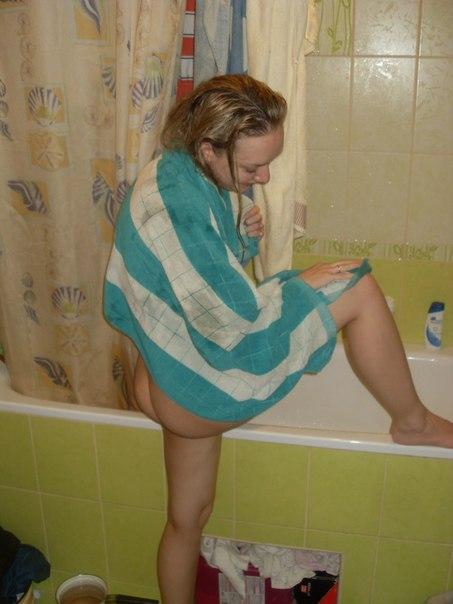 Распущенные девки из глубинки показывают свои прелести 7 фото