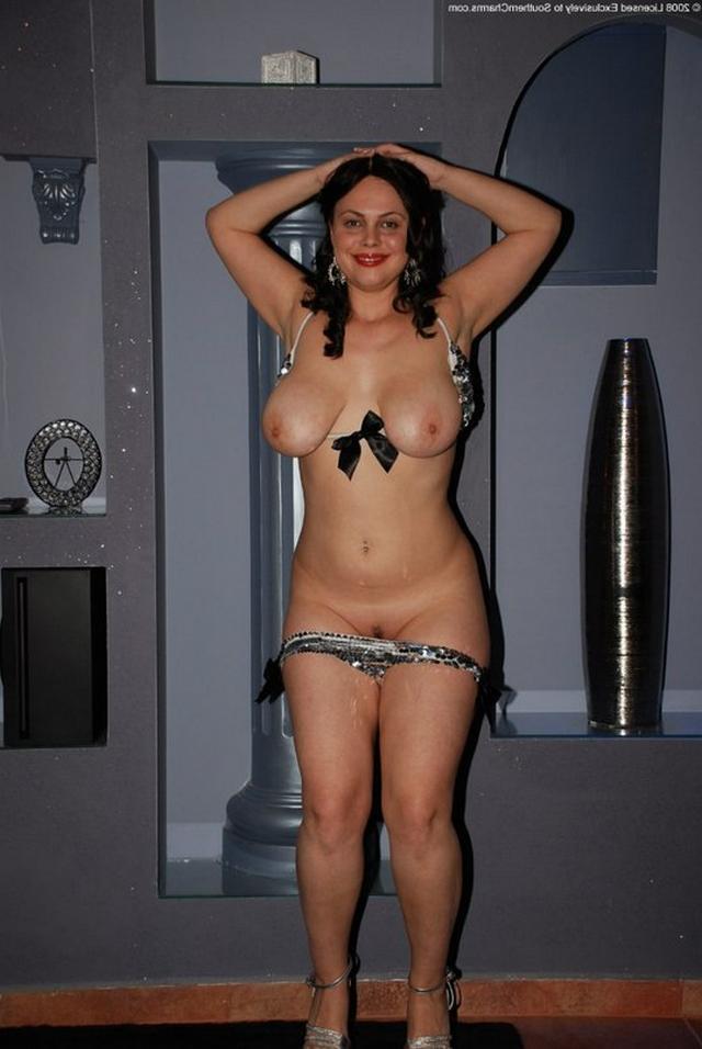 Голые мамочки обнажаются в домашних условиях 6 фото