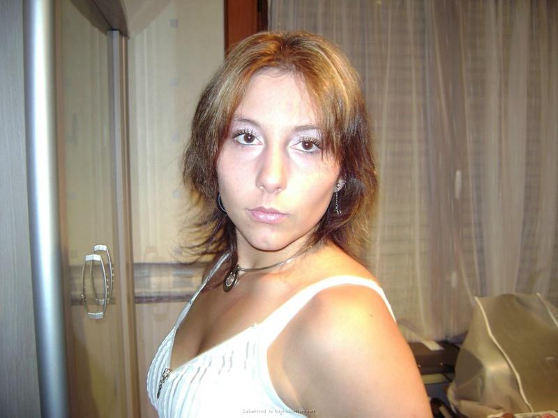 Москвич после развода слил в сеть интимные снимки бывшей 1 фото