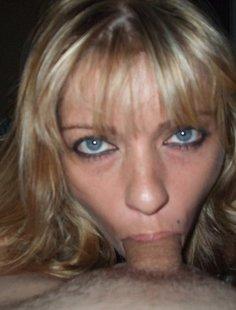 Грудастая 40-летняя дама любит делать минет