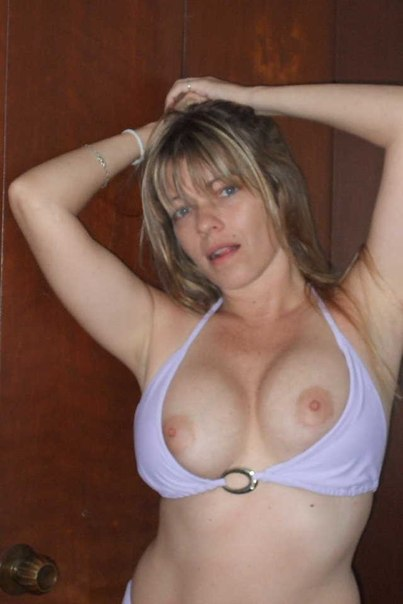 Грудастая 40-летняя дама любит делать минет 11 фото