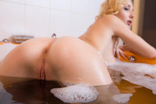Подборка голых кисок молодых девушек 9 фото