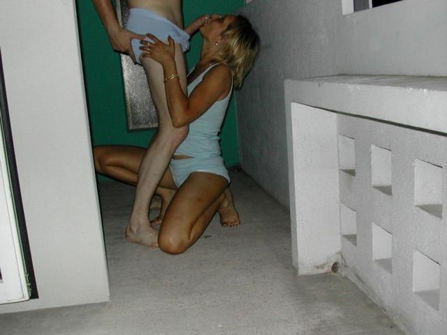 Пара из Молдовы сняла дом на море и ебется там каждый день 10 фото