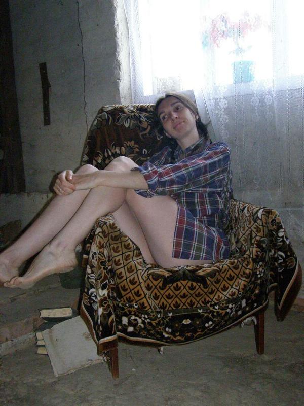 Член проникает в её влажное влагалище 6 фото