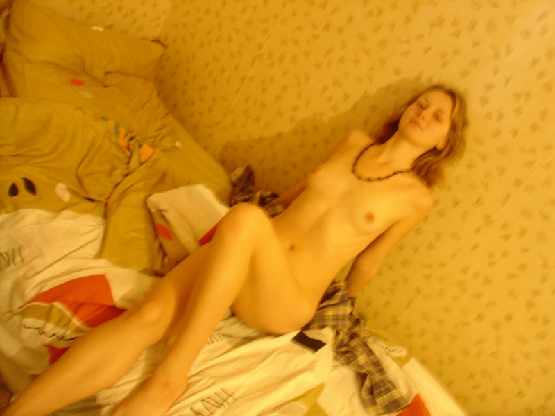 Стриптиз и минет в домашних апартаментах 8 фото