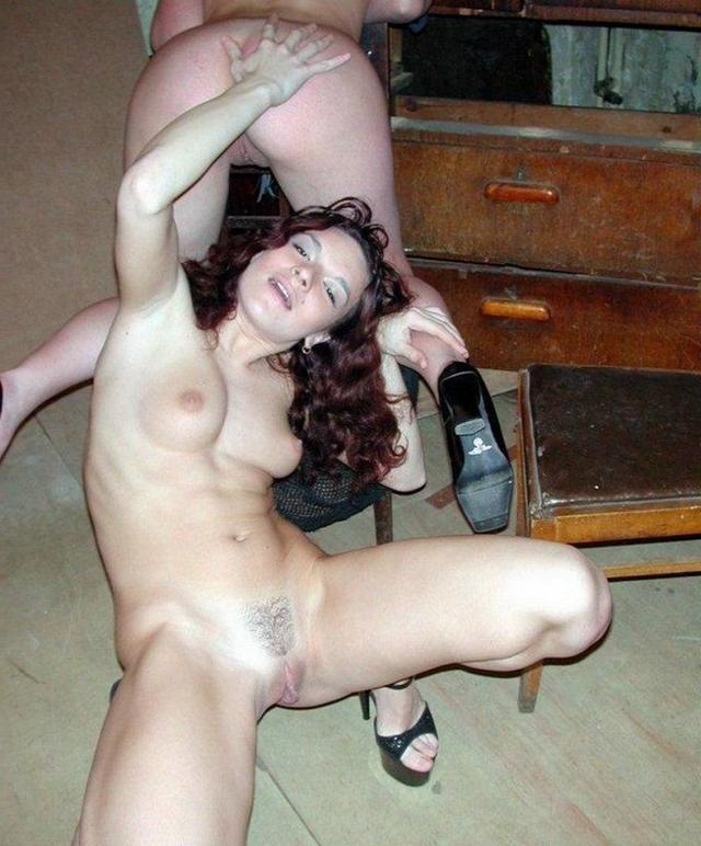 Подборка снимков отсоса и секса втроем от русских милашек 22 фото