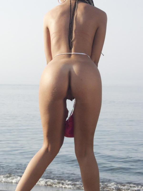 Стройная студентка разделась на Азовском море 7 фото