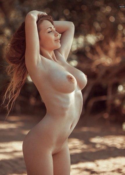 Сексуальные нимфы обнажили большие буфера и окрепшие соски 12 фото