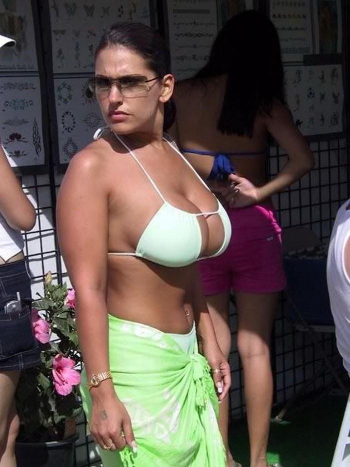 Жены показали огромные натуральные дойки перед камерой 5 фото