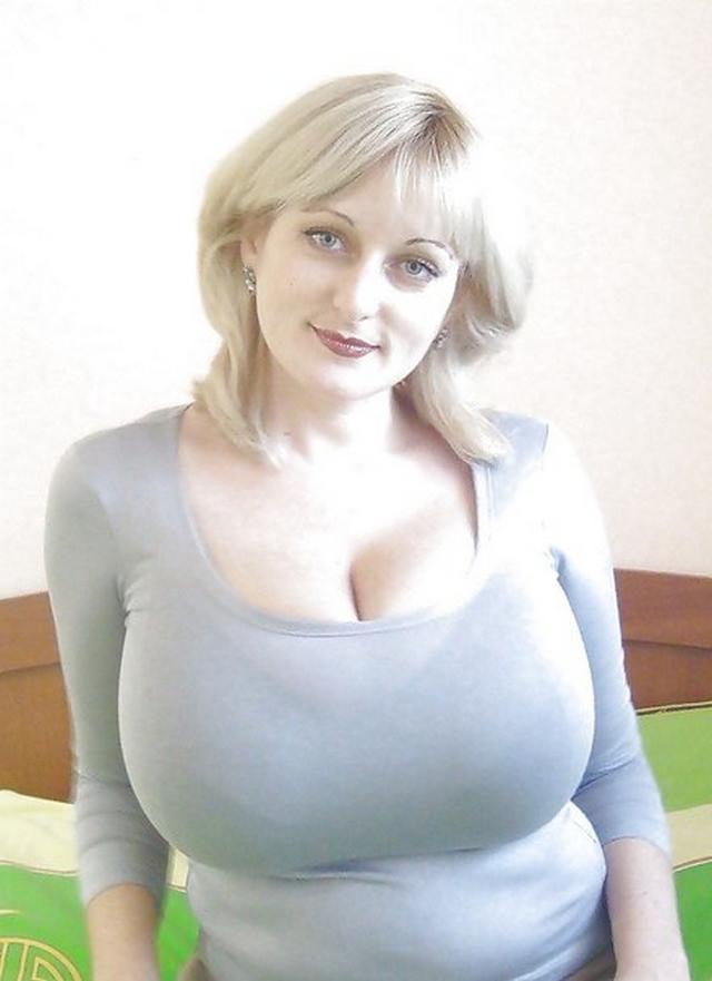 Женщины с огромными и сочными сиськами 10 фото