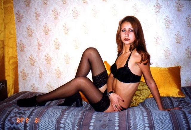 Голые пошлячки от 18 лет на советском диване 1 фото