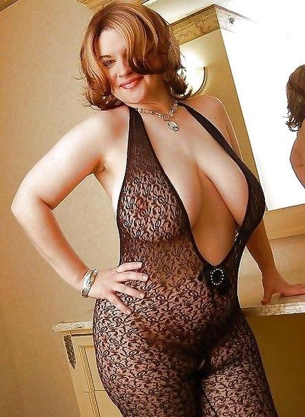 Сексапильные толстушки возбуждают большими дойками 2 фото