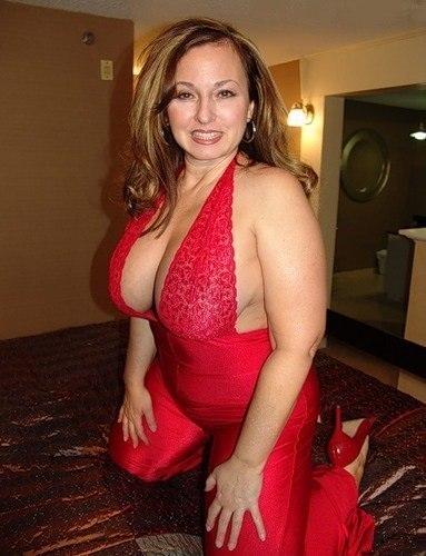 Большие груди похотливых мамочек 25 фото