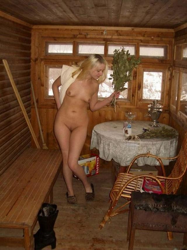 Свежие снимки голых женщин у себя дома 1 фото