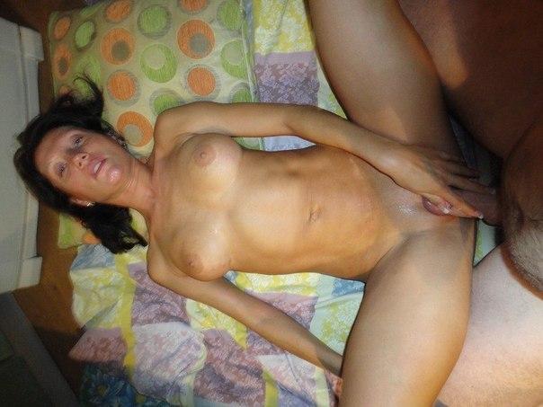 Домашний секс и обнаженка с замужними женщинами 6 фото