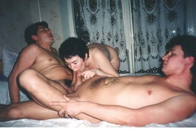 Групповой секс супружеских пар из 90х 21 фото
