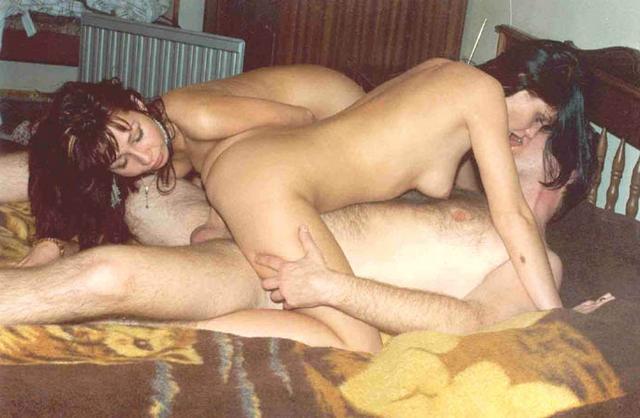 Групповой секс супружеских пар из 90х 25 фото
