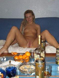 Домашняя обнаженка пьяных тёлок
