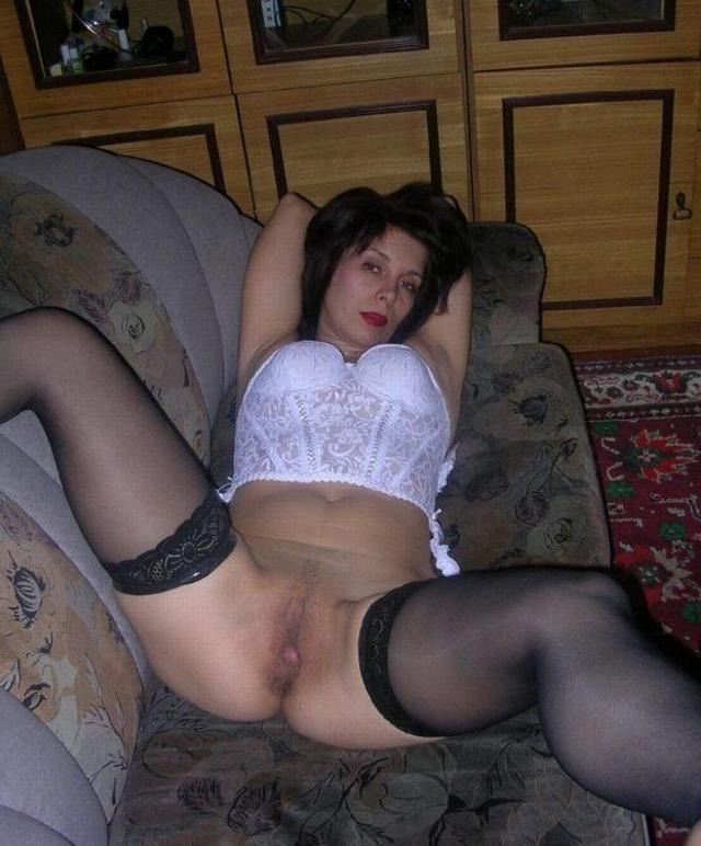 Домашняя обнаженка пьяных тёлок 17 фото