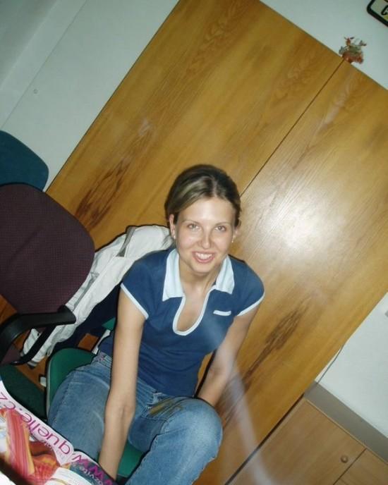 Молодая жена берет в рот у мужа и лижет подруге 12 фото