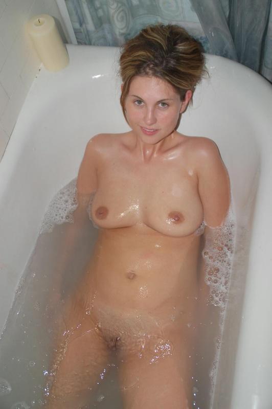 Отсосала и получила сперму на лицо 10 фото