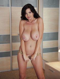 Смешанная подборка голых красоток и вагинального секса