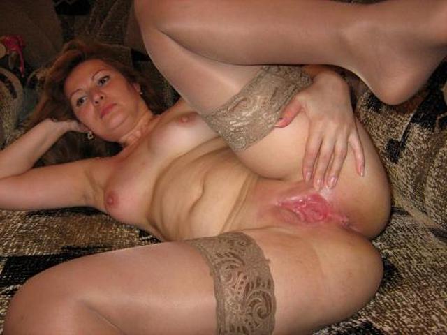 Мамочки с большими жопами светят волосатыми вагинами 28 фото