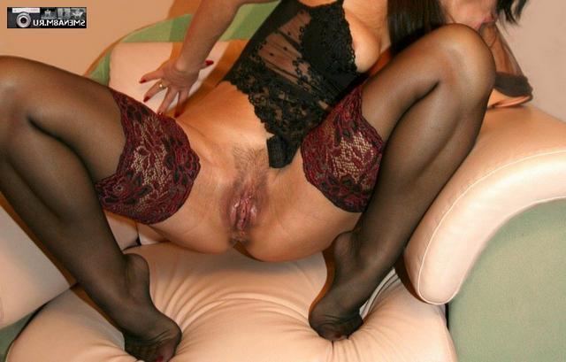 Мамочки с большими жопами светят волосатыми вагинами 31 фото