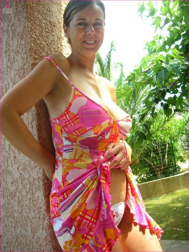 Милфа из Майями выложила снимки отсоса мужу 15 фото