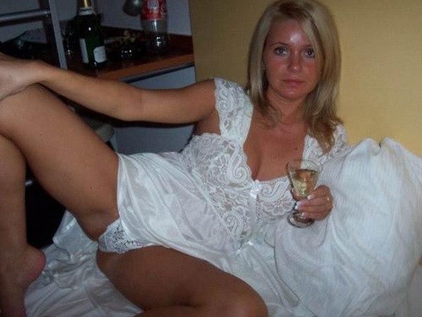 Русские бабы раздеваются по пьяни 2 фото