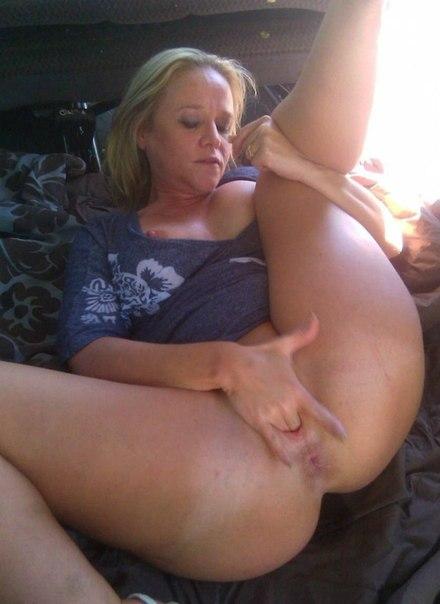 Женщины средних лет обнажают большие жопы и буфера 9 фото