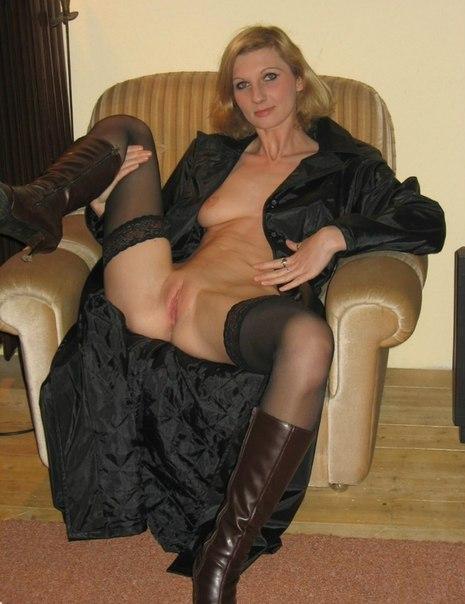 Женщины средних лет обнажают большие жопы и буфера 6 фото