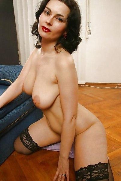 Женщины средних лет обнажают большие жопы и буфера 29 фото
