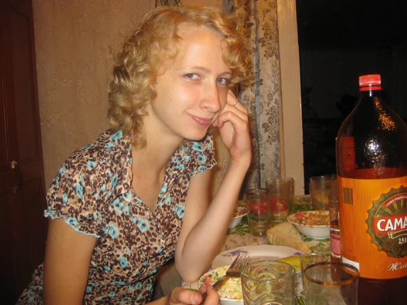 Худая россиянка из села пробует секс втроем ЖМЖ 2 фото