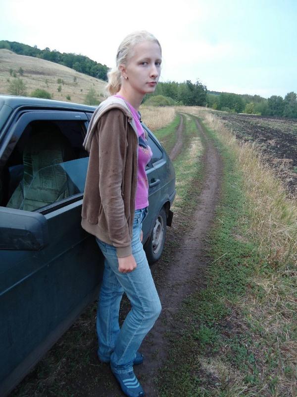 Худая россиянка из села пробует секс втроем ЖМЖ 4 фото