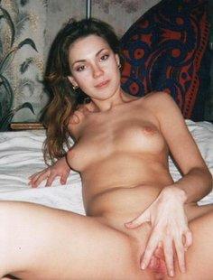 Домашняя мастурбация различных леди