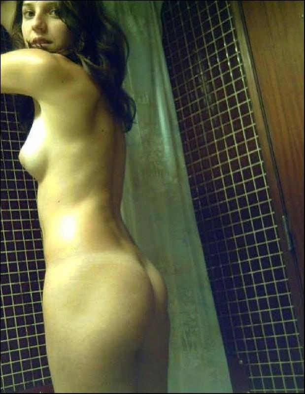 Парни снимают голых подружек перед сексом 22 фото