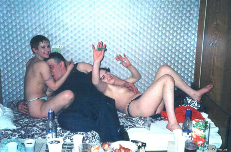 Подборка секс русских любителей из 90-х 16 фото