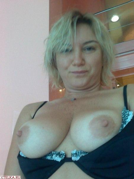 Задорная женщина с большими титьками и жопой 15 фото